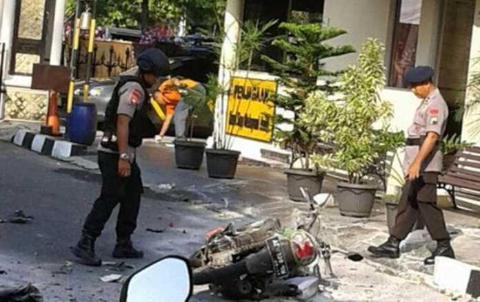 इंडोनेशिया के पुलिस मुख्यालय पर आत्मघाती हमला